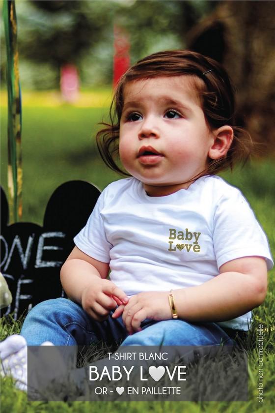 T-shirt • Baby Love